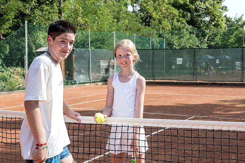hotel bellaria con campi da tennis